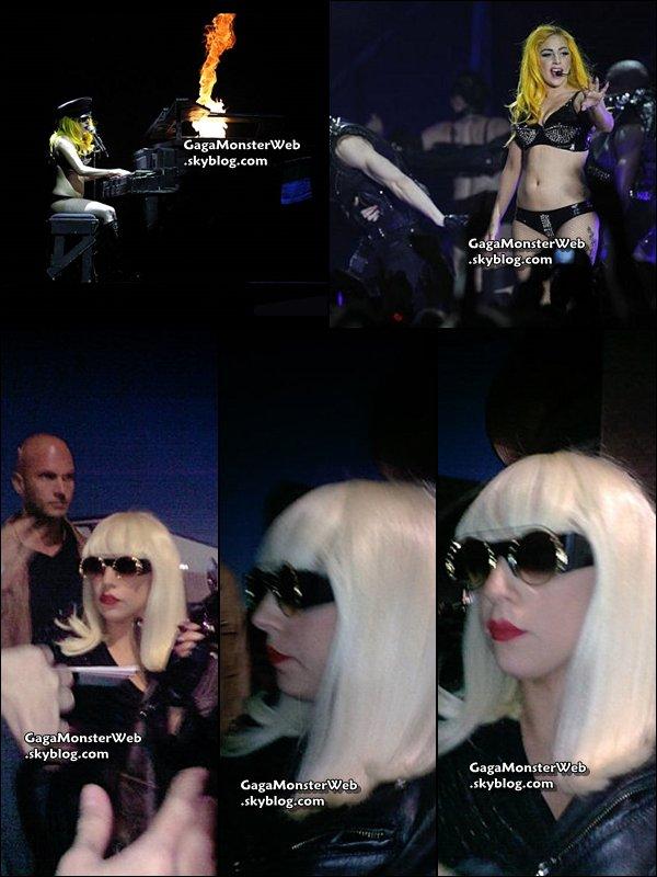 .   30 octobre 2010 :  Gaga était hier a Belfast pour une serie de trois concerts, elle a également, était a la rencontre de ses fans aprés le show...   .