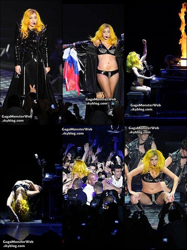 .   5 novembre 2010 :  Gaga était hier a Zagreb en Croatie, pour sa tournée du Monster Ball Tour.  Voici quelques photos ! :) .