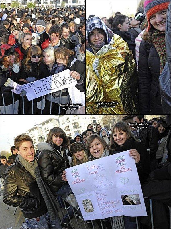 .   2 décembre 2010 :  Gaga continu le Monster Ball Tour, cette fois ci en France à Lyon..