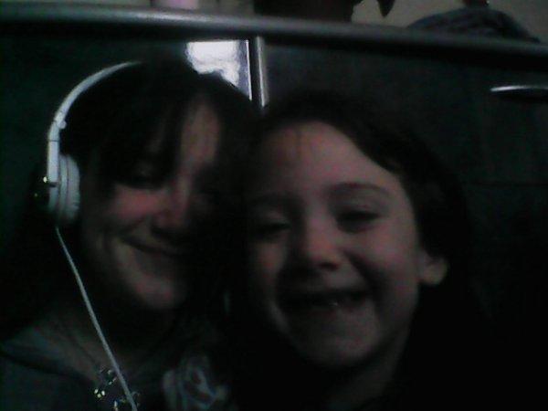moi et ma titite soeur <3