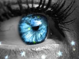 Avant que la nuit ne s'achève, ne laisse pas mourir toutes ces étoiles qui brillent dans tes yeux.