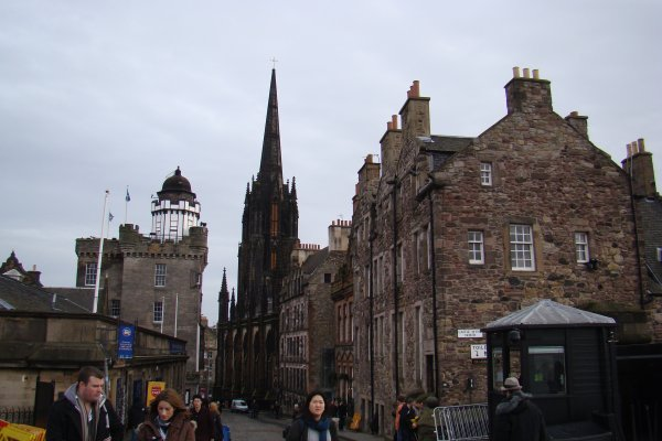 ECOSSE - PROMENADE AU ROYAL MILE ET CHATEAU D'EDINBURGH