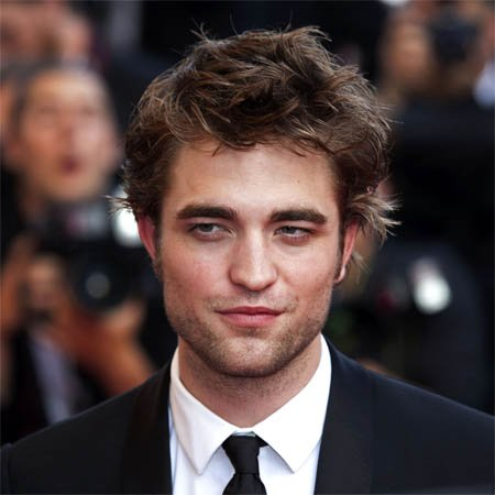 Robert Pattinson élu Homme le plus sexy du monde !