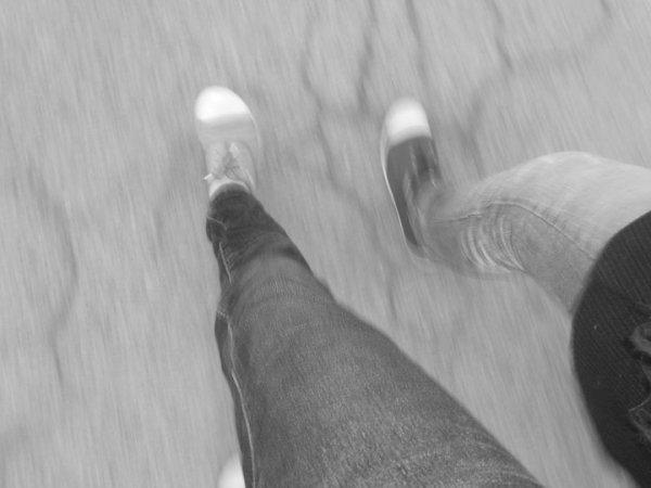«‹ Générαtion qui s'drogue αu Mαcdo Pαyent pas l'Metro ... Communique pαr texto's, cri hαut & fort légαlisé lŁ'Bedo !Tout les Jeunes écoutent du Rαp & fuck lα techno (8) : D ♥
