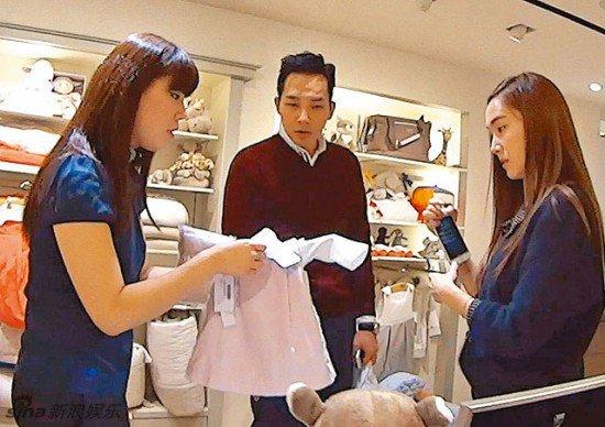 Un médias chinois raporte que Jessica et Tyler Kwon vivent ensemble + achats de vêtements pour nouveau né