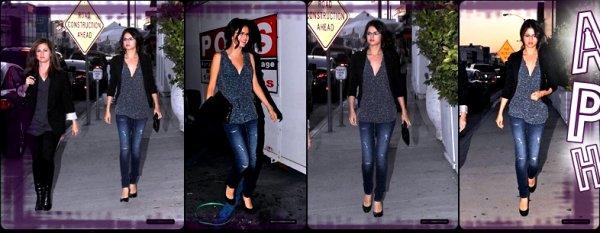 """.          Selena Gomez   """"A Year Without Rain"""" & de sortit le 1er .       ."""