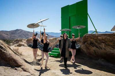 Nouvelle photos du clip Steal My Girl qui dortira le 24 Octobre