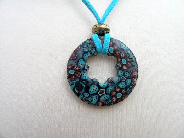 Donut turquoise et chocolat