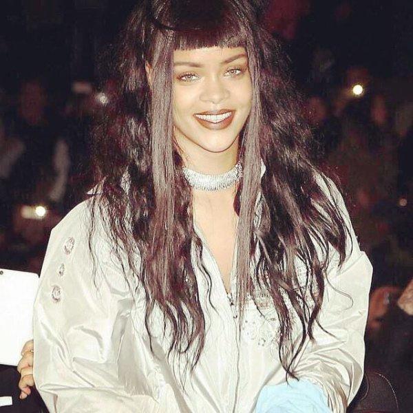 Rihanna à Paris enflamme le Trocadéro !