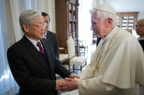 Benoît XVI reçoit le secrétaire général du parti communiste
