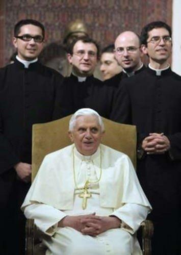 Benoît XVI aux séminaristes : les chrétiens sont « les plus persécutés » parce que les moins « conformes »
