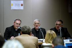 Déclaration du Père Lombardi sur les accusations contre Bergoglio