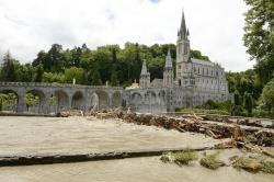 Le pape solidaire après les inondations à Lourdes