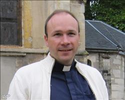 Le père Vandenbeusch, enlevé au Cameroun, est libre