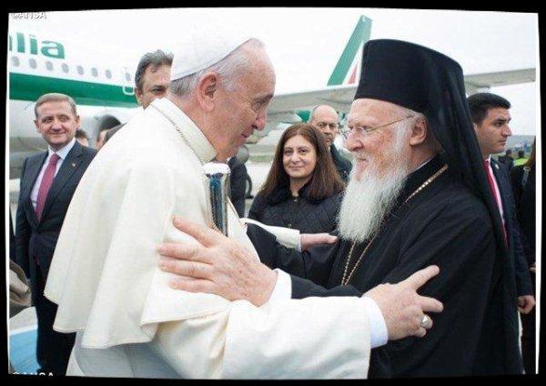 Le Pape François veut rétablir une «pleine communion de foi» avec Bartholomée