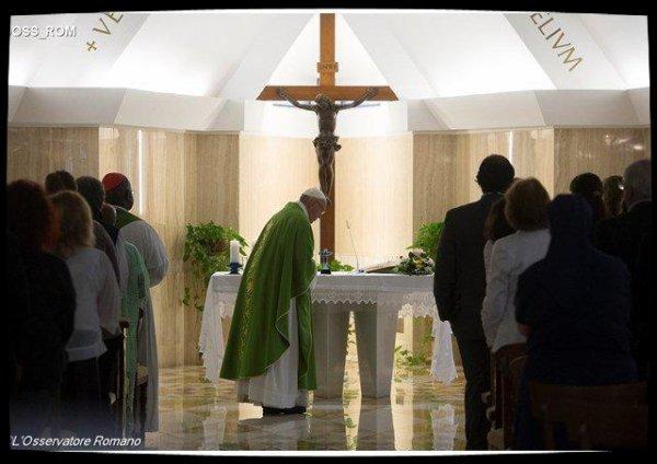 Pape François : Dieu vient nous relever dans les moments de découragement