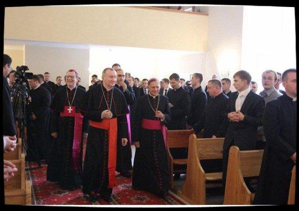 Ukraine : le cardinal Parolin invite latins et gréco-catholiques à coopérer