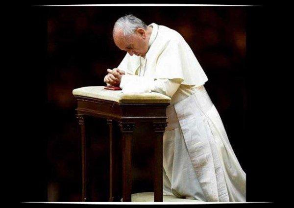 Fusillade à Munich: les condoléances du Pape François