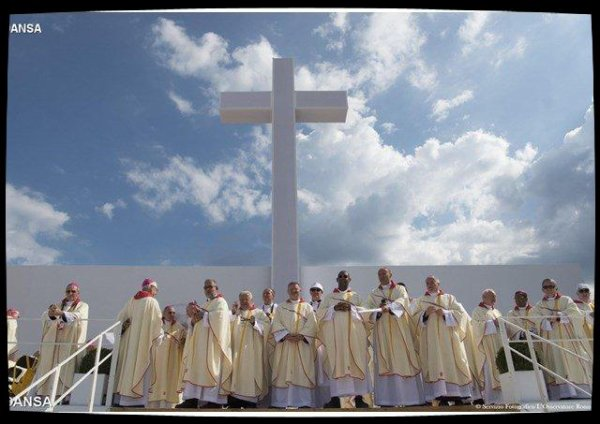 Un nouveau nonce apostolique nommé en Pologne