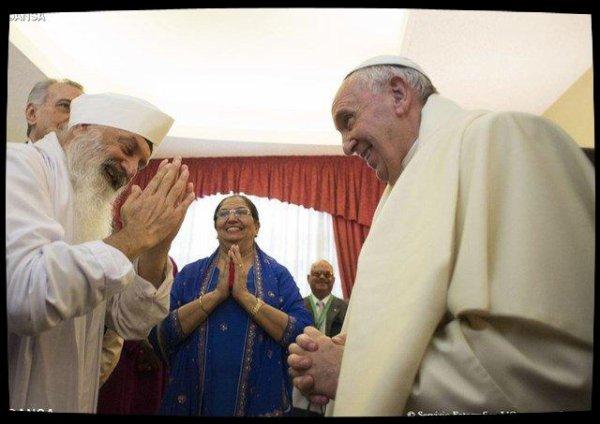 Contre les «plaies» du monde, le Pape défend le dialogue interreligieux