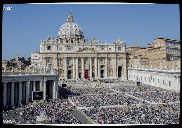 Angélus: le Pape au côté de l'Église mexicaine pour défendre la famille