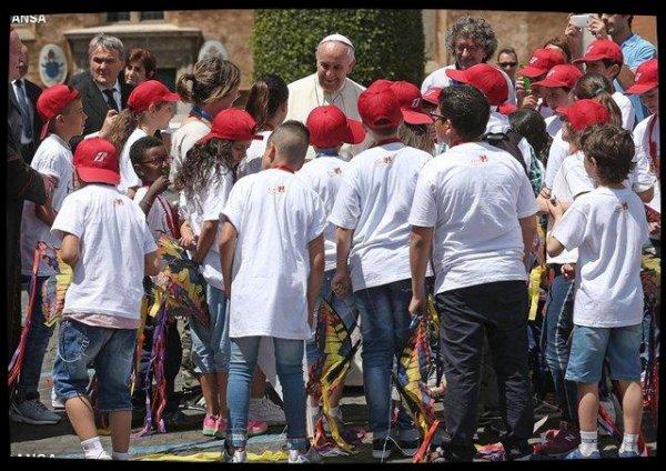 Visite du Pape François aux enfants du Villaggio SOS de Rome