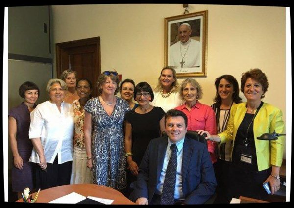 Les femmes employées au Vatican se regroupent dans une association