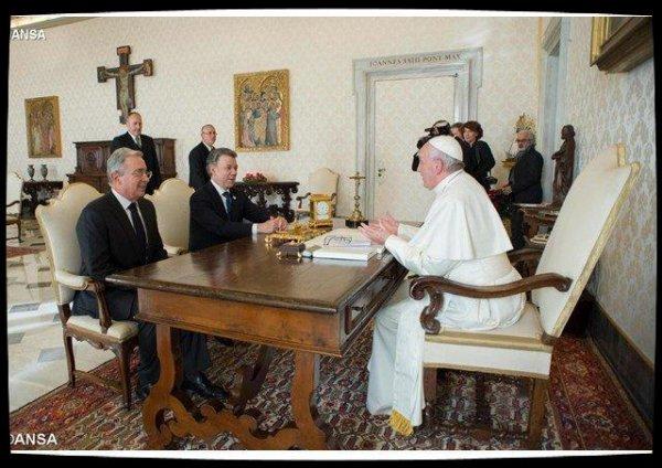Audience du Pape au président colombien Santos et à son prédécesseur Uribe