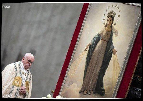 Pape François: «nous sommes un peuple qui a une Mère, pas des orphelins»