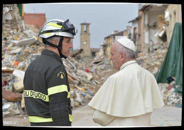 Le Pape recevra les sinistrés des séismes du centre de l'Italie