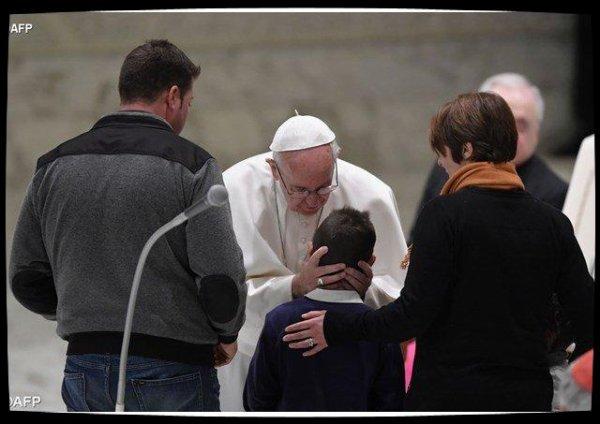 «Reconstruire les c½urs» : le Pape réconforte les victimes des séismes en Italie