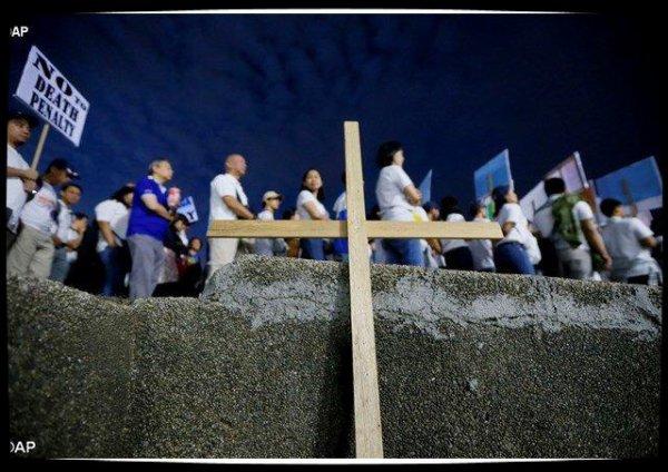L'Église des Philippines manifeste contre les exactions