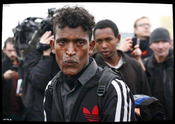 A Calais (FRANCE), le Secours Catholique continuera à distribuer des repas aux migrants