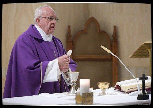 Pape François : Dieu nous aime comme un père et nous attend