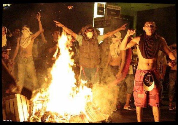 Paraguay : les évêques appellent au calme après l'assaut du Parlement