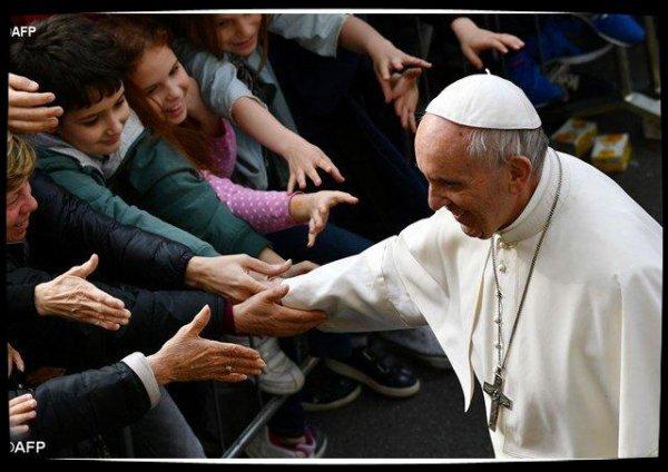 Le Pape François salue le courage et la dignité des victimes du séisme de 2012