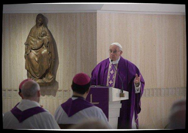 Pape François: regardons Jésus qui juge toujours avec miséricorde