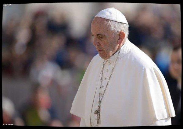 """Attaque chimique en Syrie : Le Pape dénonce un"""" massacre inacceptable"""""""