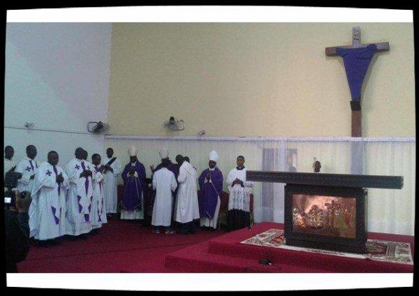 RDC : Purification de l'église saint Dominique de Kinshasa