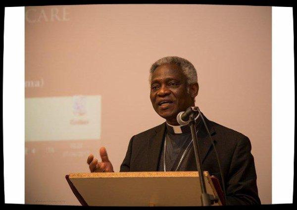 Le Pape soutient une conférence sur les Roms à Rome
