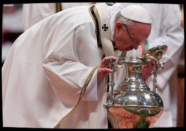 Messe chrismale: le Pape invite les prêtres à porter la «joyeuse Annonce»