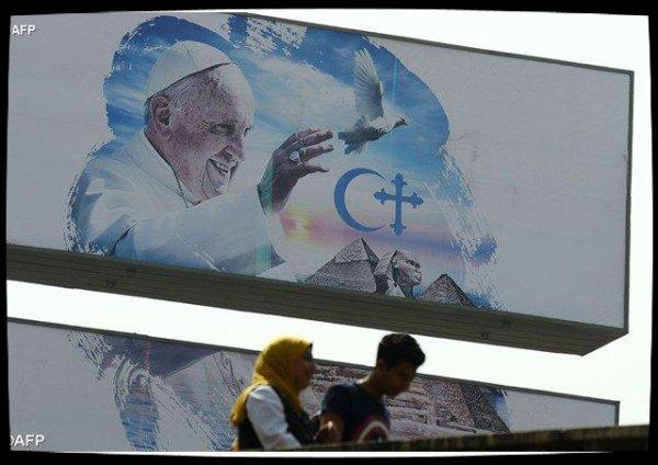 Parolin : le Pape, messager de paix en Égypte