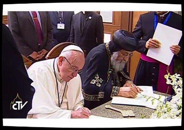 Le Pape François et le Pape copte Tawadros II signent une Déclaration commune