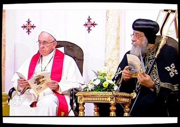 Le Pape rend visite au Patriarche copte Tawadros II