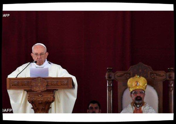 Le Pape célèbre la messe avec les catholiques d'Egypte