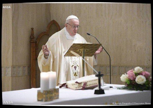 Pape François: se lever, marcher et écouter pour témoigner sans prosélytisme