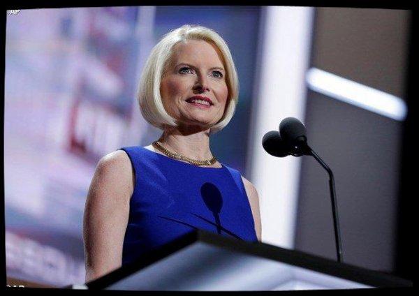 Donald Trump nomme une femme ambassadrice près le Saint-Siège