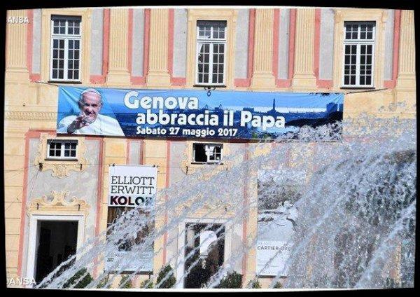 La ville de Gênes attend le Pape François