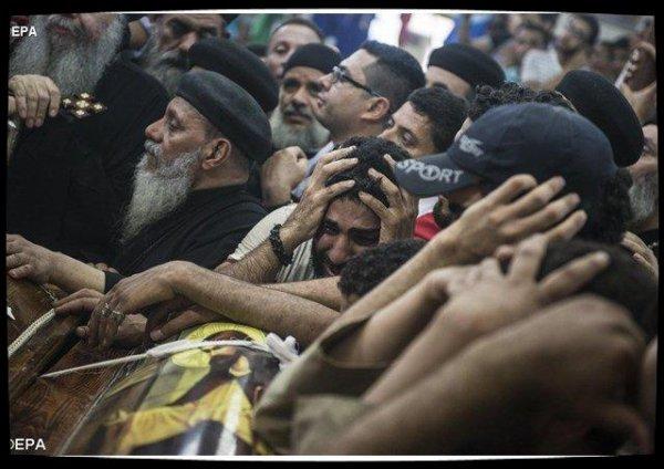 Le Pape prie pour les victimes de Minya en Egypte