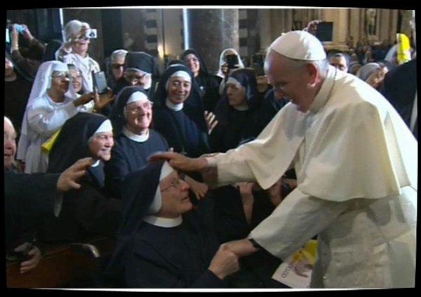 Gênes : le Pape invite prêtres et consacrés à se montrer disponibles aux surprises de Dieu